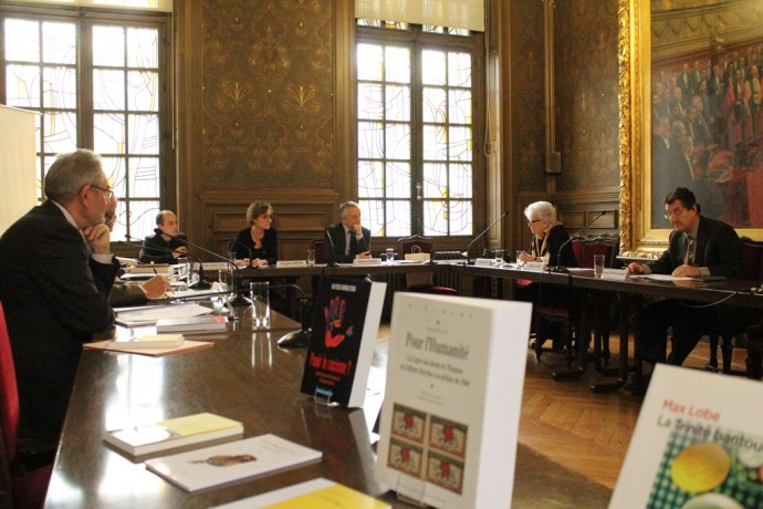 Le jury, réuni en Sorbonne sous la présidence de Benoît Forêt, Secrétaire général de la Chancellerie des universités de Paris, représentant le Recteur-Chancelier François Weil, en pleine délibération.