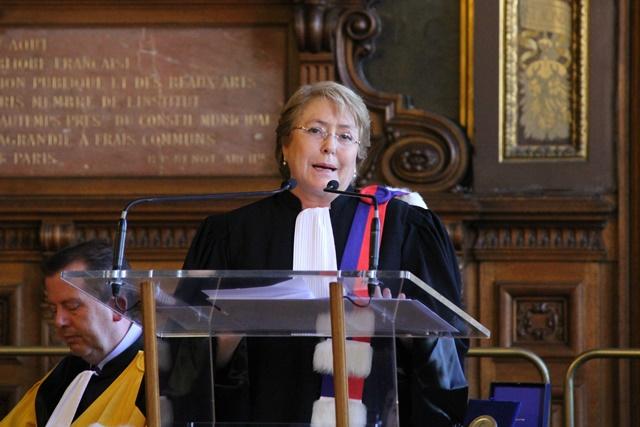 Son excellence Madame Michelle Bachelet lors de son discours de remerciements.