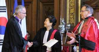 Park Geun-hye faite Docteur Honoris Causa