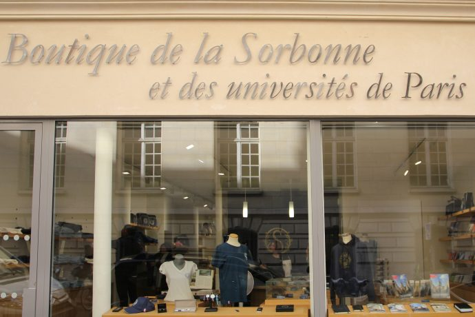 Façade de la boutique de la Sorbonne et des universités de Paris