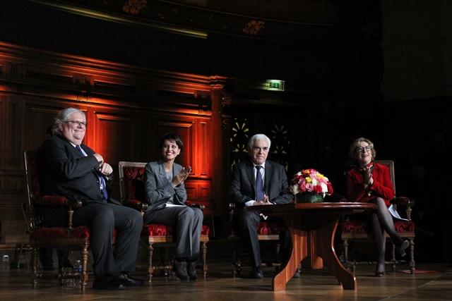 De gauche à droite, Alain Fuchs, Najat Vallaud Belkacem, Gérard Berry et Geneviève Fioraso.