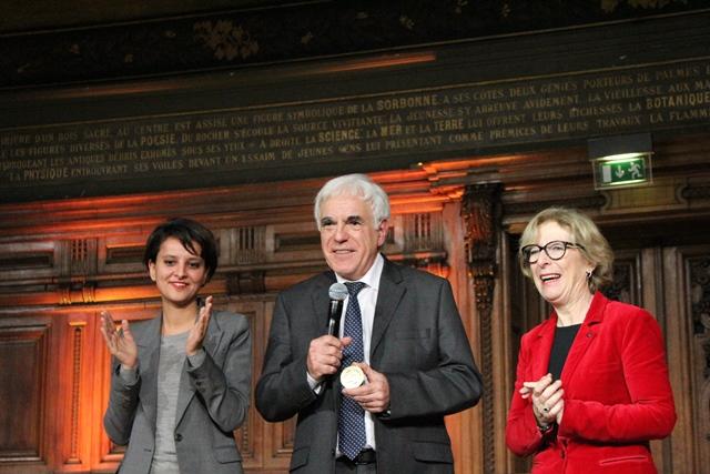Médaille_OR_CNRS_2014 740