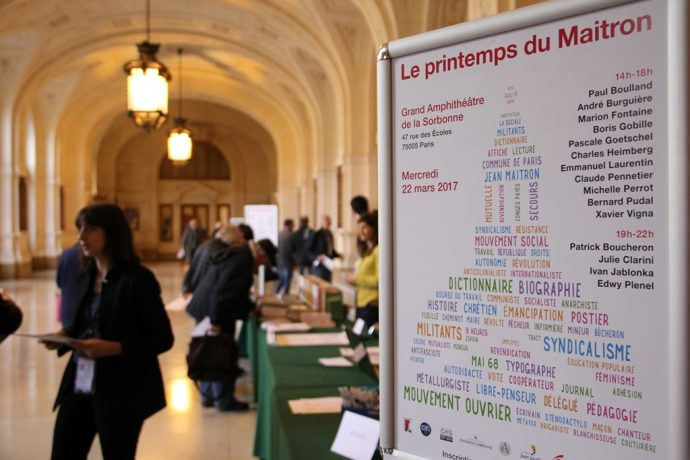 Le Printemps du Maitron en Sorbonne, accueil dans le Grand Hall.
