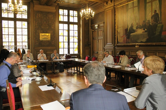 Réunion de répartition du solde des revenus 2014, tenue le 16 avril 2015 sous la présidence de Marie-Laure Coquelet, vice-chancelier des universités de Paris.