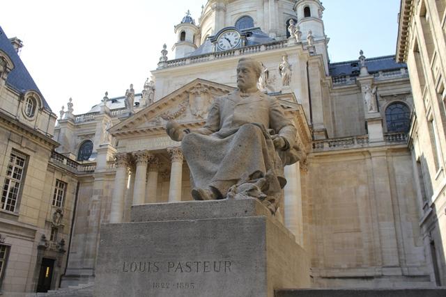 Statues_Pasteur&Hugo_restaurées (10)