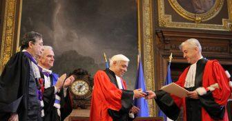 Prokopis Pavlopoulos fait Docteur Honoris Causa