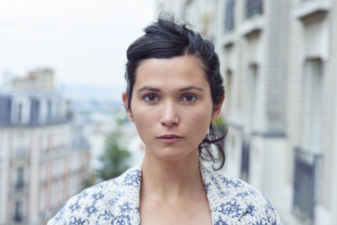 Julia Kerninon, lauréate du prix littéraire Fénéon 2018 pour son ouvrage Ma Dévotion.