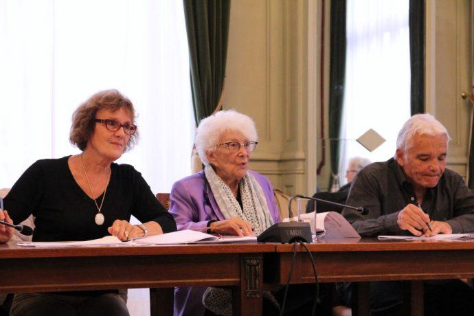 De gauche à droite, Mme Marie-Claire Paponnaud, Mme Yvette Roudy et M. Jean-Pierre Saldou, membres du jury du prix Pierre et Yvette Roudy